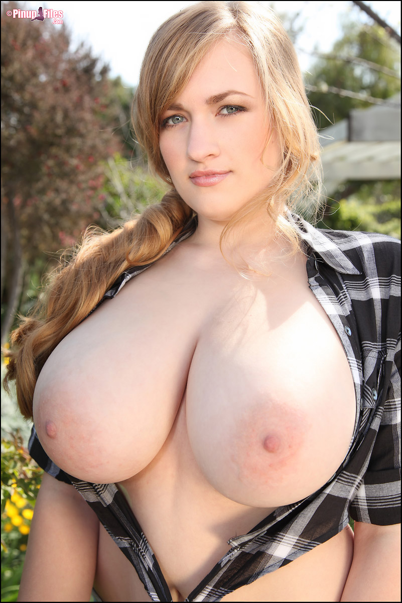 Sara Willis Country Girl Pinup With Huge Boobs-9587