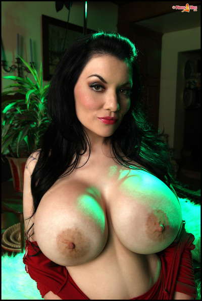 Dahlia Dark Showcases Massive Boobs